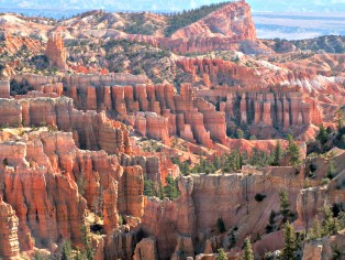 sinking-ship-rock-in-bryce