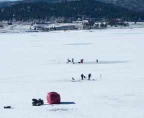 ice-fishing-4