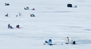 ice-fishing-5
